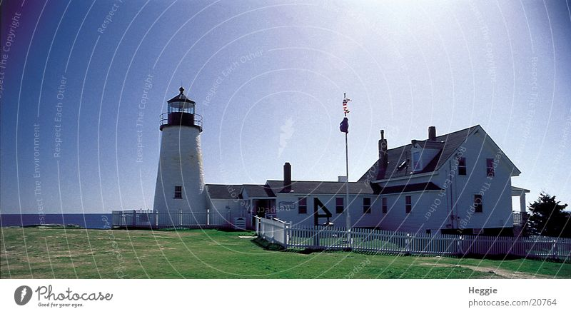 House (Residential Structure) Lighthouse Beautiful weather Blue sky Vignetting Beacon Cloudless sky Maine Navigation mark New England Clear sky