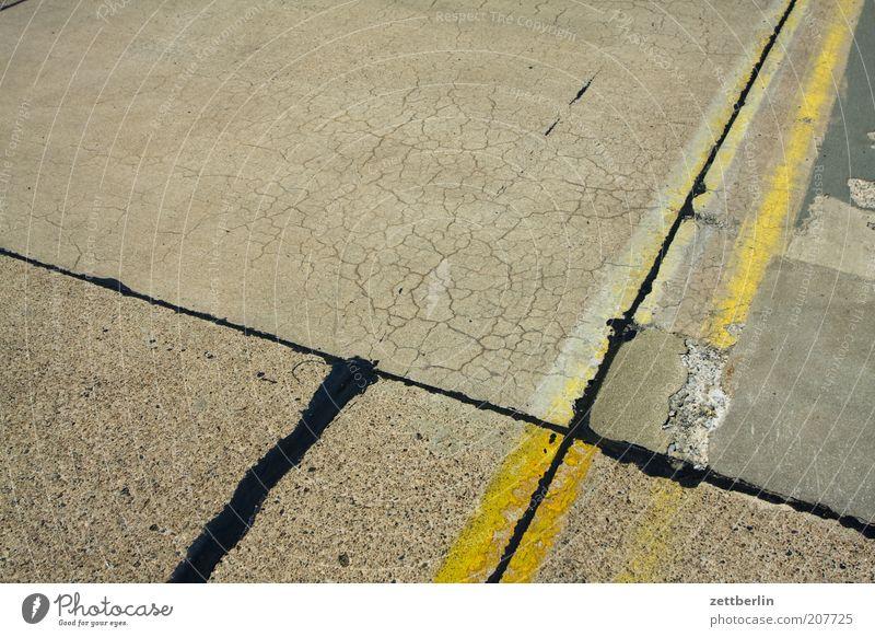 Black Yellow Colour Lanes & trails Line Aviation Corner Gloomy Asphalt Traffic infrastructure Crossroads Airport Tar Seam Runway