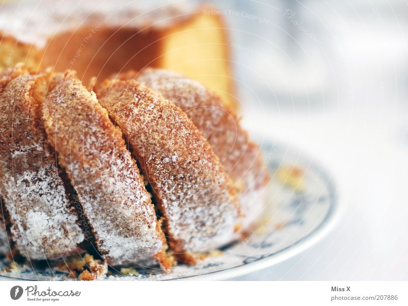 Nutrition Food Sweet Cake Delicious Baked goods Dough Crumbs Self-made Coffee cake Sliced Confectioner`s sugar Gugelhupf
