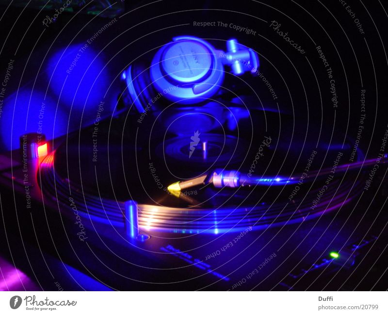 Music Dance Technology Leisure and hobbies Disc jockey Share Record Mix Record player