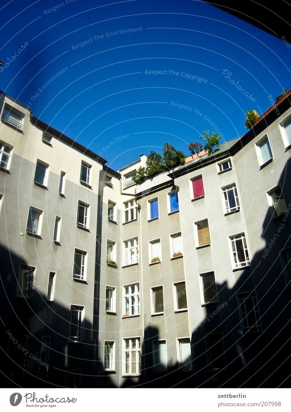 at the back Town House (Residential Structure) Building Architecture Window Backyard Shadow Interior courtyard Prefab construction Schöneberg Glazed facade Sky