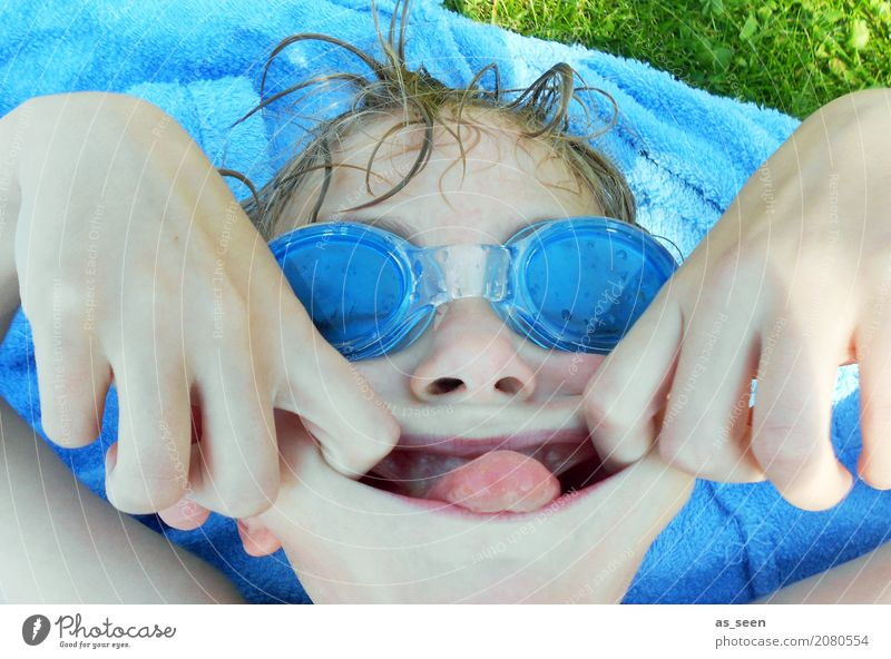 Fun at the pool Swimming & Bathing Swimming pool Boy (child) Infancy Life Face 1 Human being 8 - 13 years Child Environment Nature Water Drops of water Summer