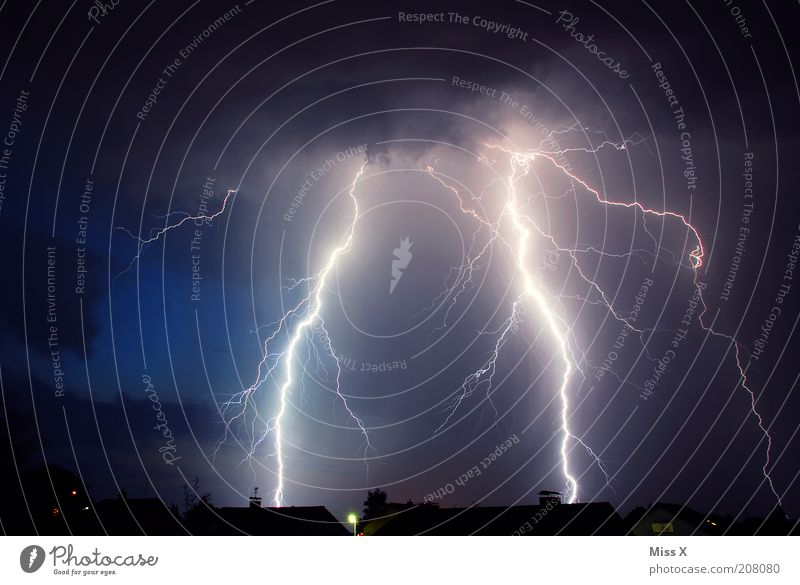 House (Residential Structure) Bright Fear Environment Energy Dangerous Threat Climate Night sky Lightning Thunder and lightning Storm Nature Climate change Dramatic Bad weather