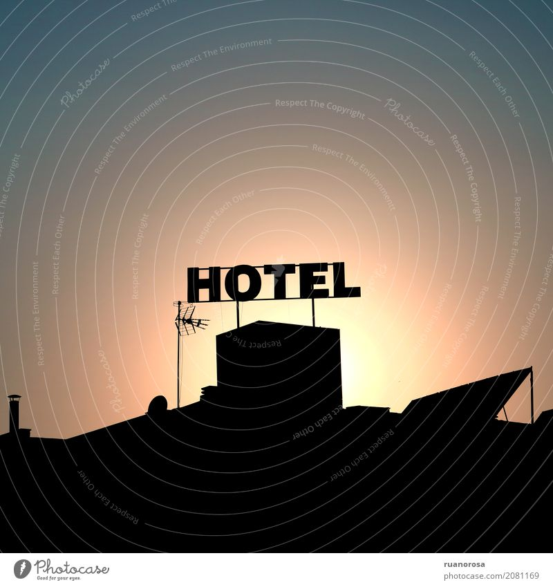 Cuando el sol se apague Small Town Building Roof Antenna Hot Warmth Colour photo Exterior shot Deserted Copy Space top Copy Space bottom Worm's-eye view