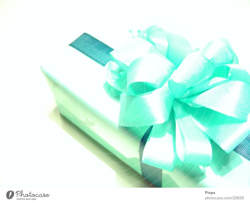 Christmas & Advent Green Joy Feasts & Celebrations Birthday Gift Mysterious New Surprise Anticipation Valentine's Day Bow Packaged Mother's Day Loop