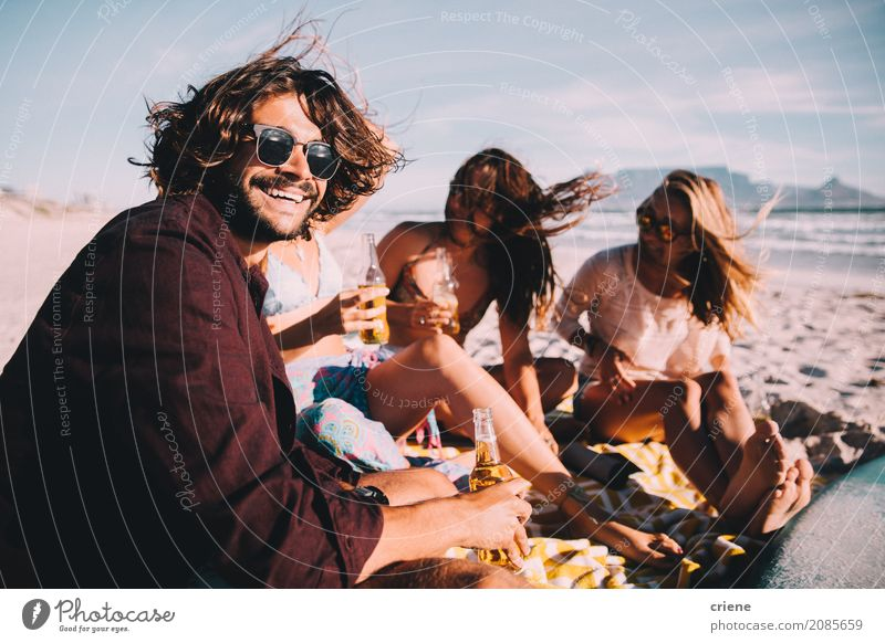 Group of young adult friends drinking beer at the beach Beverage Alcoholic drinks Beer Bottle Lifestyle Joy Happy Leisure and hobbies Vacation & Travel Freedom