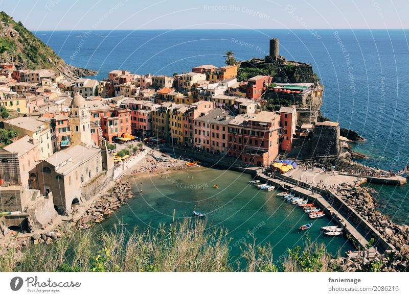 Cinque Terre VI - Vernazza Village Fishing village Small Town Port City Esthetic Famousness Tower Harbour Panorama (Format) Church House (Residential Structure)