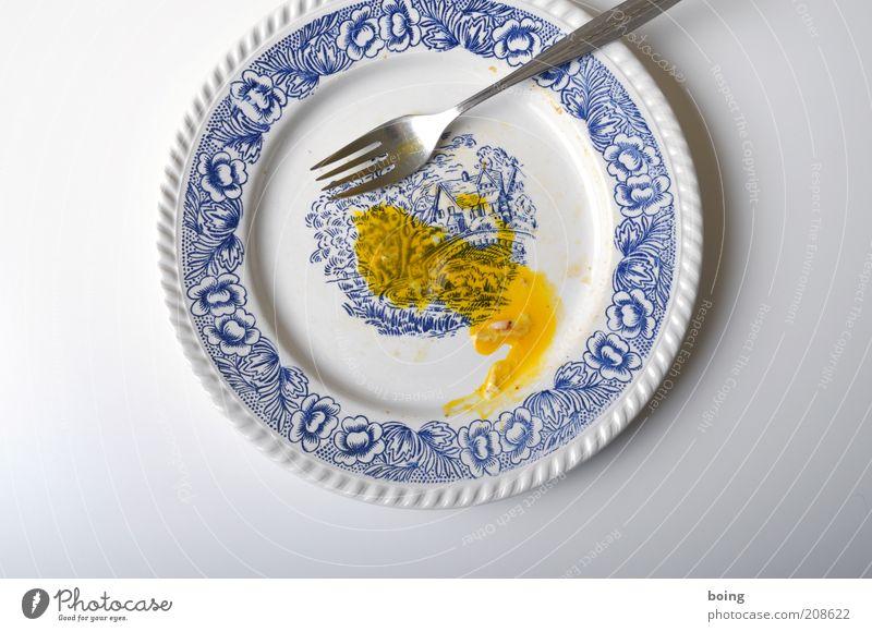 Nutrition Round Plate Dinner Remainder Cutlery Fork Yolk Studio shot Meal Fried egg sunny-side up