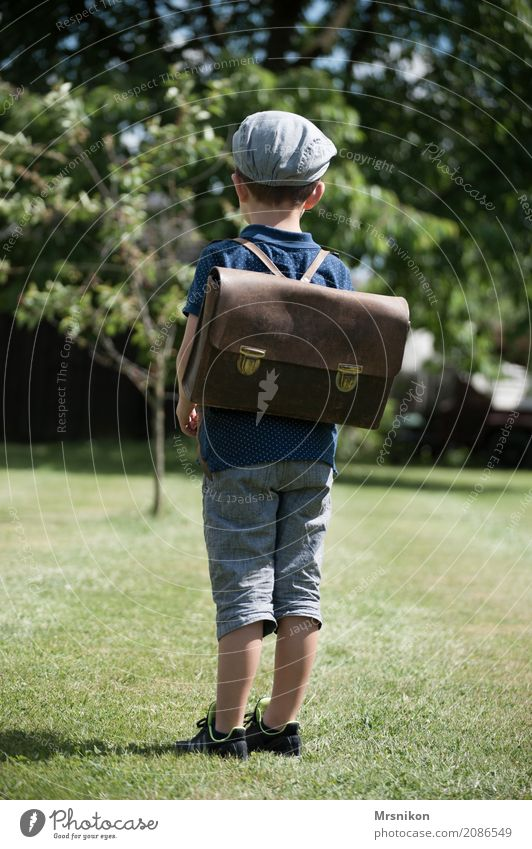 Human being Child Life Meadow Boy (child) School Think Masculine Infancy Stand Wait Observe Cap Toddler Nostalgia 3 - 8 years