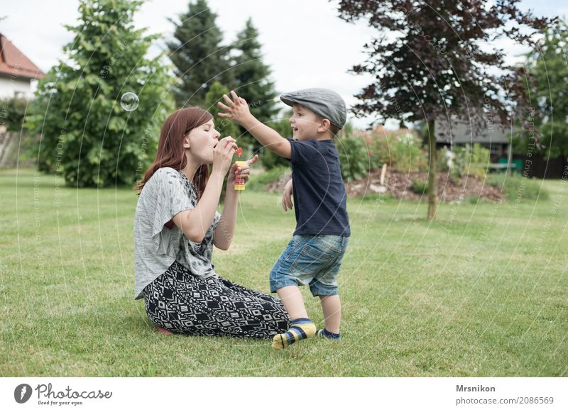 Human being Child Youth (Young adults) Summer Girl Life Feminine Laughter Family & Relations Playing Garden Together Masculine 13 - 18 years Infancy Smiling