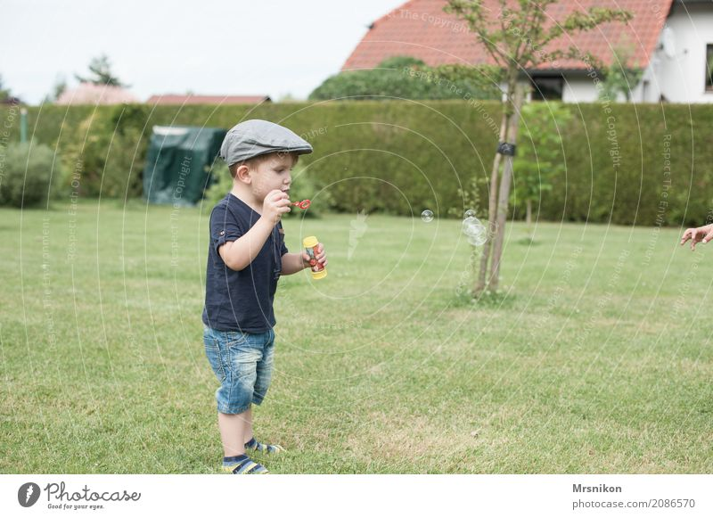 Let's go Masculine Child Toddler Boy (child) Infancy Life 1 Human being 1 - 3 years Landscape Garden Meadow Playing Stand Soap bubble Blow Cap Exterior shot