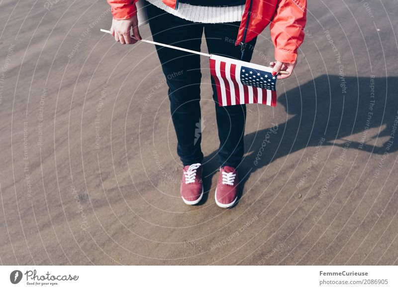 Roadtrip West Coast USA (19) Feminine Young woman Youth (Young adults) Woman Adults Human being 18 - 30 years 30 - 45 years Tourism Flag Beach Sneakers Red