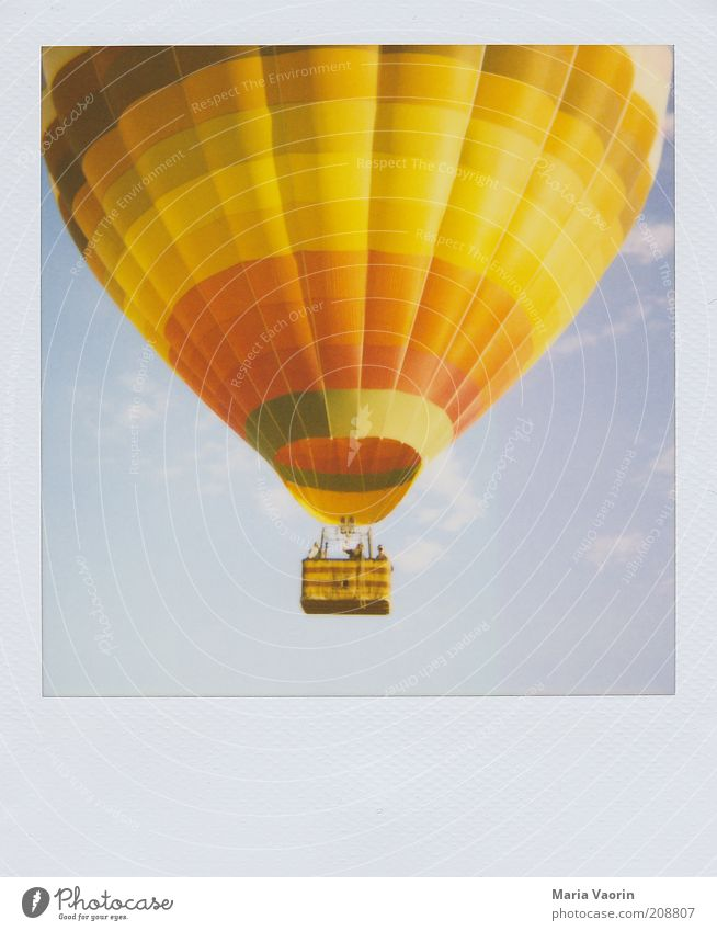 Up, up and away Tourism Freedom Summer Human being Group Air Beautiful weather Wind Aircraft Hot Air Balloon Movement Driving Flying Looking Far-off places Tall
