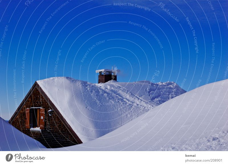 ski hut Cloudless sky Sunlight Winter Climate Beautiful weather Snow Hill Alps Mountain House (Residential Structure) Hut Ski hut Window Shutter Chimney Blue