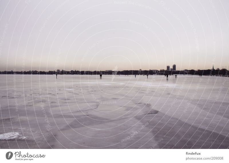 2010 Winter Ice Frost Lake Port City Skyline Deserted Firm Cold Colour photo Exterior shot Panorama (View) Copy Space top Copy Space bottom Frozen Snowscape Day