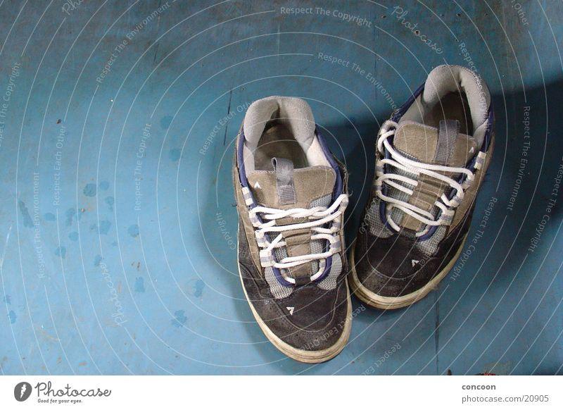 Old Footwear Dirty Railroad Floor covering Leisure and hobbies Sneakers