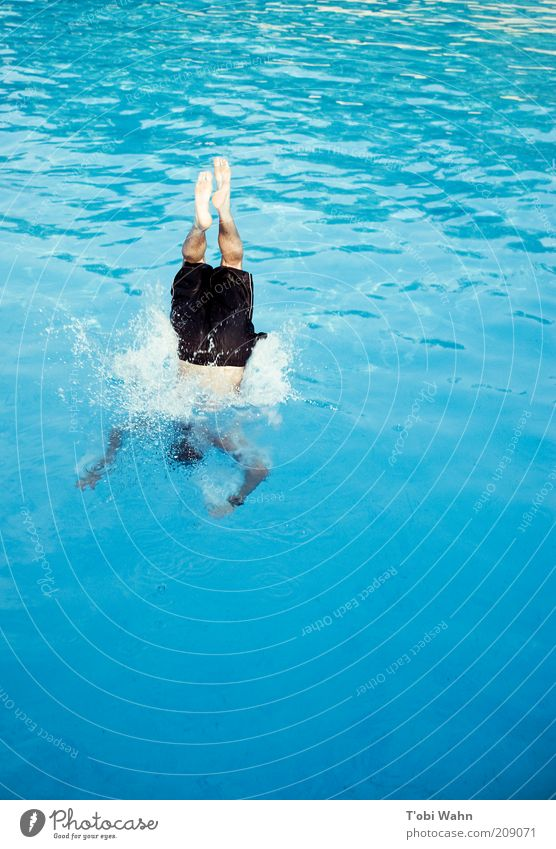 immersion Leisure and hobbies Sports Aquatics Dive Human being Masculine Young man Youth (Young adults) Legs Feet Jump Splash Surface of water Swimming pool
