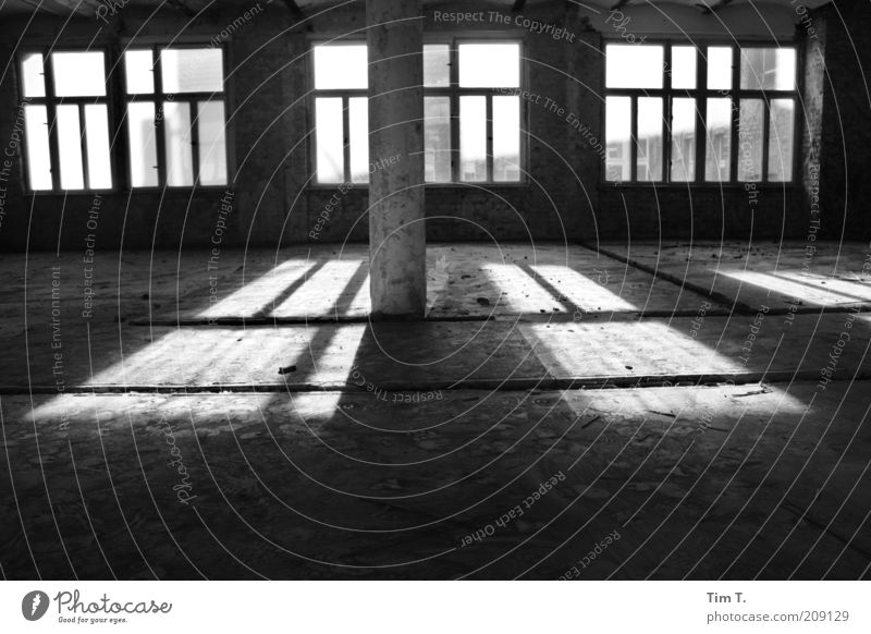House (Residential Structure) Window Building Empty Construction site Story Claustrophobia Uninhabited Industrial plant Black & white photo Vacancy