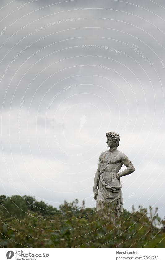 Man's picture Art Work of art Sculpture Sky Clouds Bad weather London Park Stand Esthetic Historic Muscular Naked Natural Thin Eroticism Gray Green