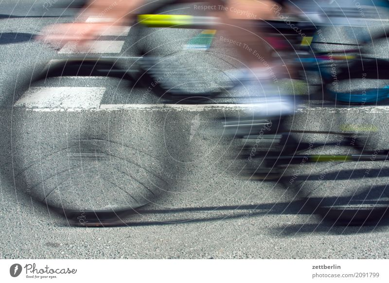 cycle races Cycle race Speed Cycling Bicycle Haste Running Racing sports Blur Motion blur Sports Beginning Asphalt Driving