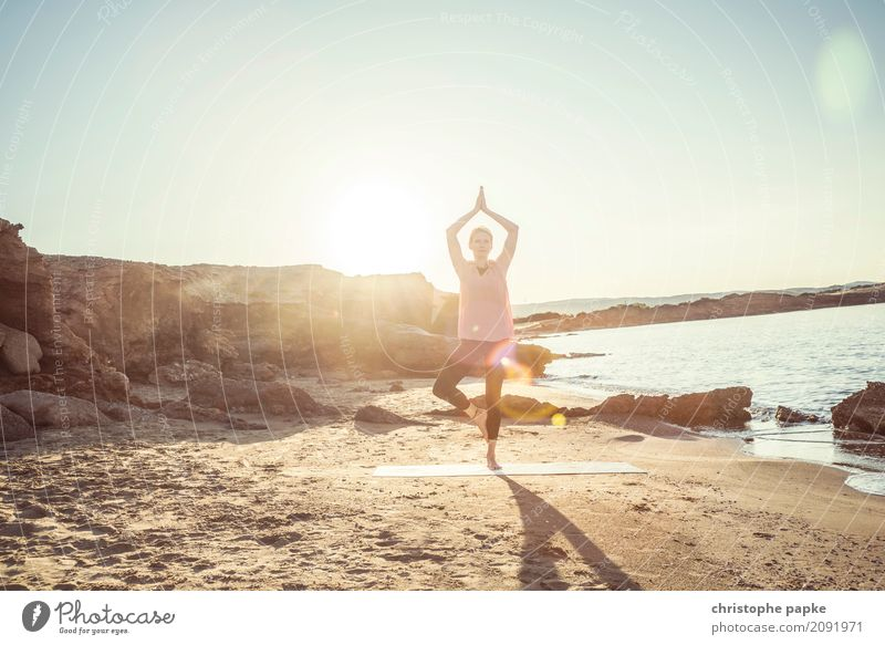yoga with the sun in your back Harmonious Well-being Contentment Senses Relaxation Calm Meditation Leisure and hobbies Vacation & Travel Summer Summer vacation