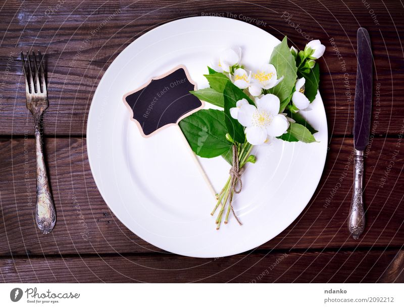 White round plate Old Flower Dish Wood Brown Above Metal Decoration Table Kitchen Bouquet Restaurant Blackboard Plate Dinner Knives