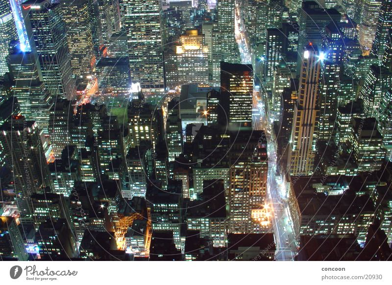 New York City Matrix Empire State building High-rise Housefront USA Urban canyon Bird's-eye view Overview Vantage point Impressive Urbanization Illuminate