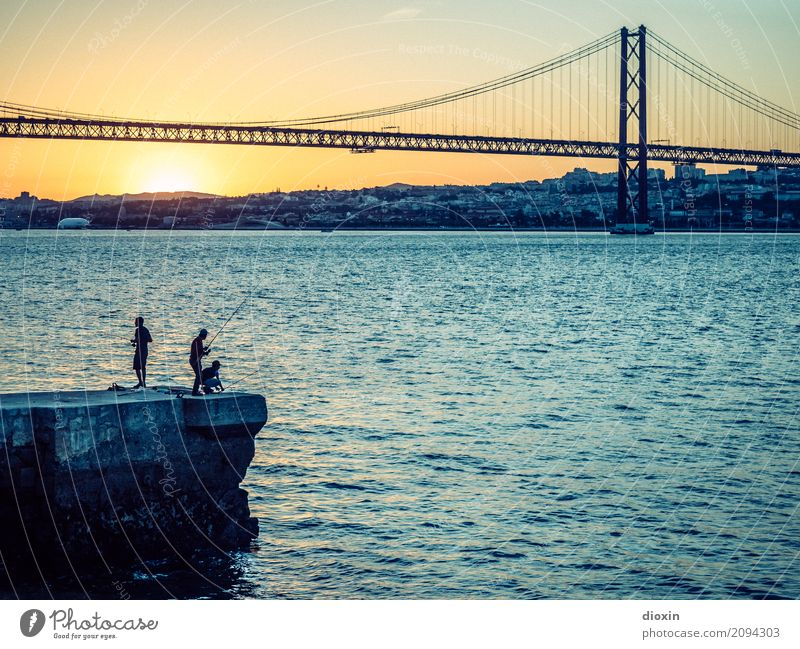 Tagus Vacation & Travel Tourism City trip Waves Water Sun Sunrise Sunset Sunlight Beautiful weather River bank Tejo Lisbon Portugal Europe Town Capital city
