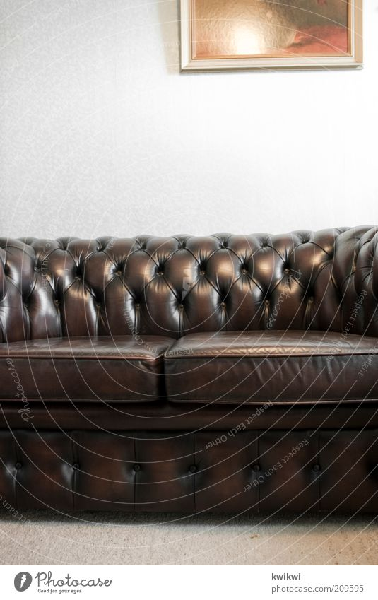 Old Dark Style Brown Room Flat (apartment) Retro Break Kitsch Decoration Living or residing Image Sofa Interior design Luxury Furniture