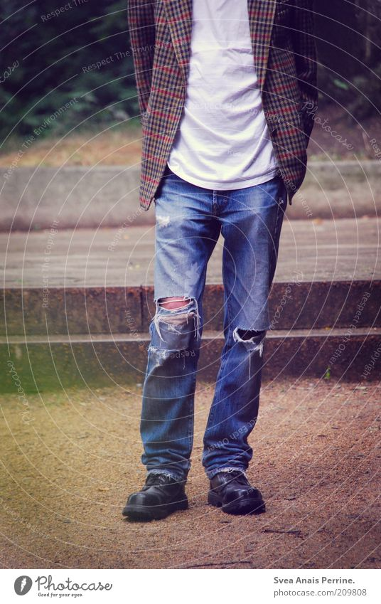 Human being Youth (Young adults) Old Legs Park Footwear Adults Wait Fashion Masculine Lifestyle Cool (slang) Jeans Broken T-shirt