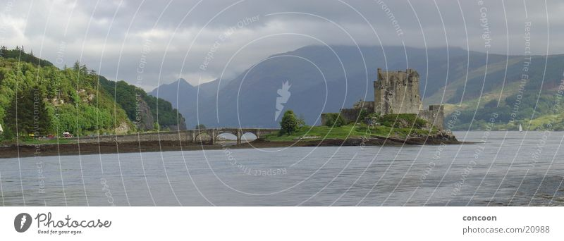 Eilean Donan Castle Scotland (Panorama) Lake Highlander Great Britain Europe arboria Mountain Old Lakeside Stone bridge Arched bridge Loneliness Island
