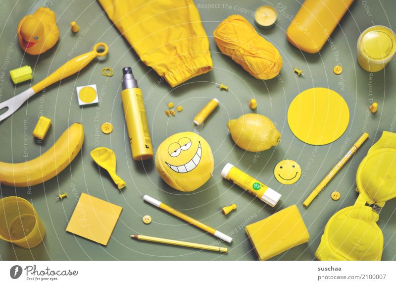 I see something you don't see ... Super Still Life Odds and ends Things Collection Accumulation motley Accumulate Many Household Yellow Inspiration Creativity