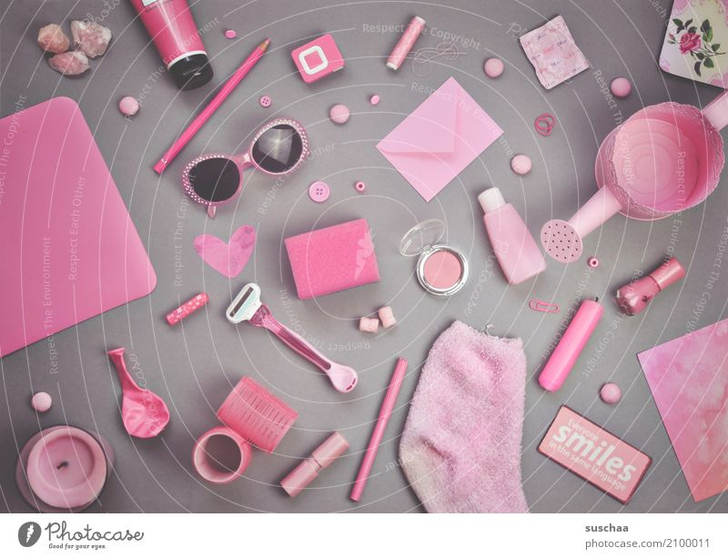 I see something you don't see ... Super Still Life Odds and ends Things Collection Accumulation motley Accumulate Many Household Pink Inspiration Creativity