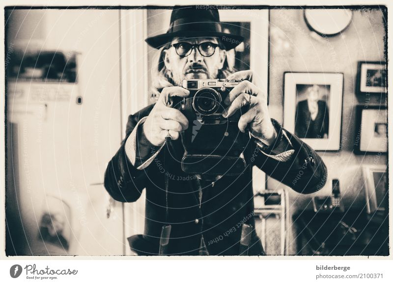 photographer Take a photo Masculine Artist Photography Camera Cool (slang) Selfie Leica Photographic studio Black & white photo