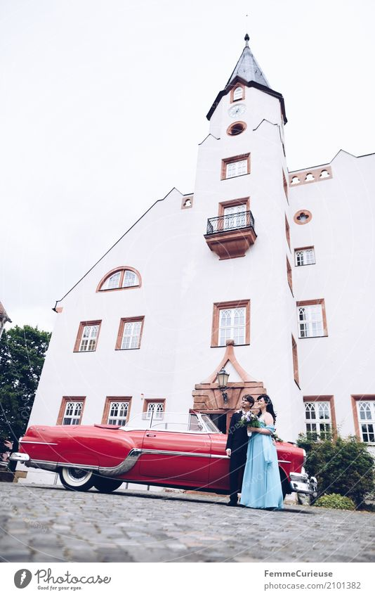 Love is in the air (15) Masculine Feminine Woman Adults Man 2 Human being 18 - 30 years Youth (Young adults) 30 - 45 years Happy Vintage car Red Castle Wedding