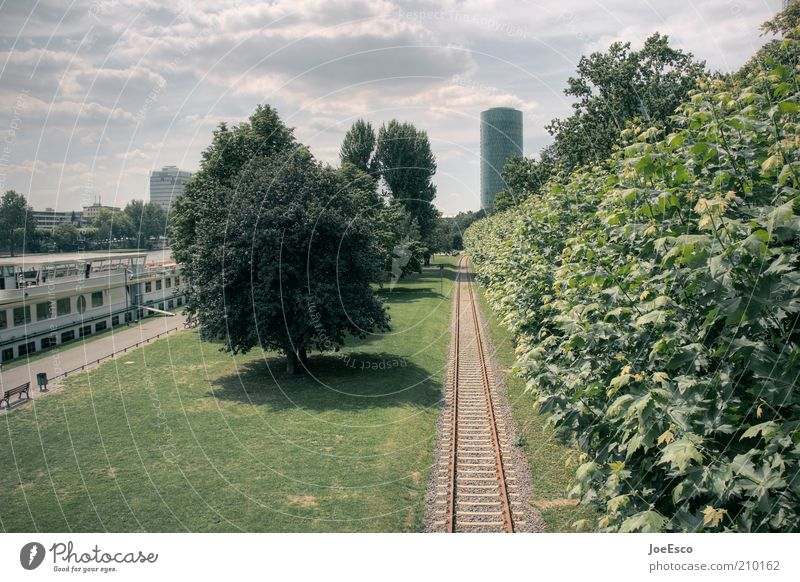Tree City Summer Clouds Far-off places Park Watercraft High-rise Lawn Forwards Railroad tracks Discover Frankfurt Downtown Direct