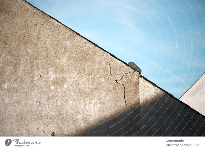 normality House (Residential Structure) Detached house Building Wall (barrier) Wall (building) Facade Roof Old Dirty Sharp-edged Simple Broken Gloomy Protection