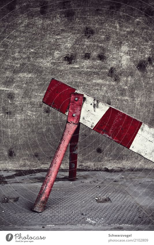 Old White Red Loneliness Wood Gray Moody Metal Transport Dirty Gloomy Signs and labeling Transience Broken Signage Simple