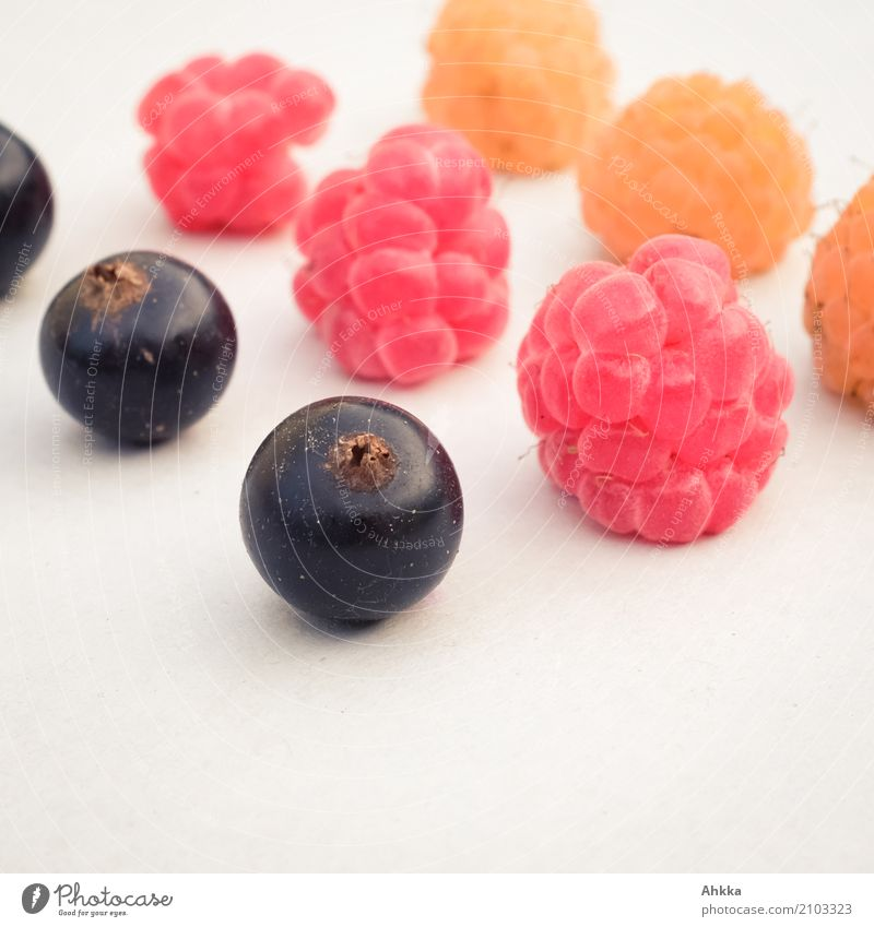 3 x 3 Food Dessert Berries Raspberry Redcurrant Finger food Sign Sphere Flag Delicious Round Gold Black Trust Agreed Loyal Together Hospitality Solidarity