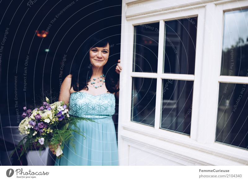 Love is in the air (74) Feminine Woman Adults 1 Human being 18 - 30 years Youth (Young adults) 30 - 45 years Beautiful Bride Wedding dress Blue Bouquet Sequin