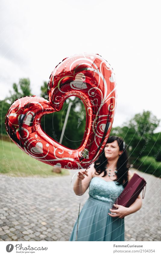 Love is in the air (69) Feminine Woman Adults 1 Human being 18 - 30 years Youth (Young adults) 30 - 45 years Happy Symbols and metaphors Heart-shaped Balloon