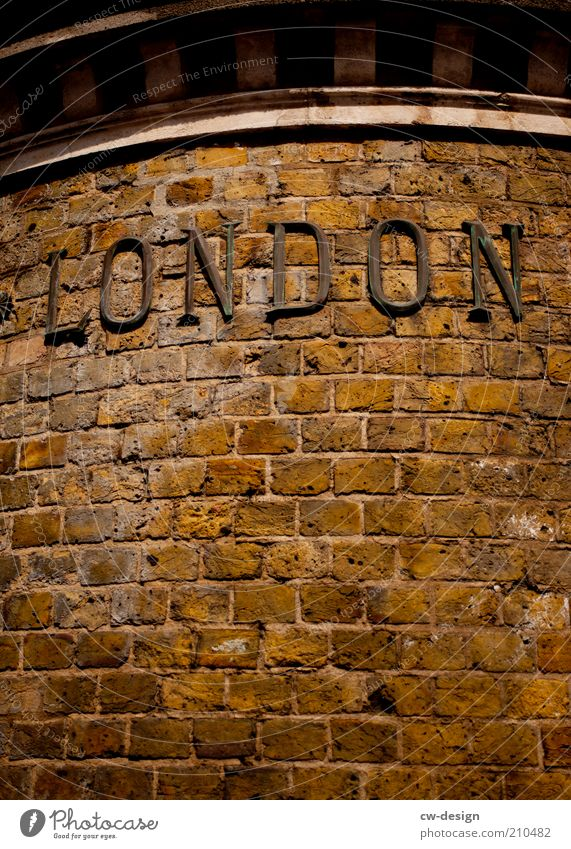 THAT'S NOT LONDON. Town Old town Deserted House (Residential Structure) Manmade structures Building Architecture Wall (barrier) Wall (building) Facade