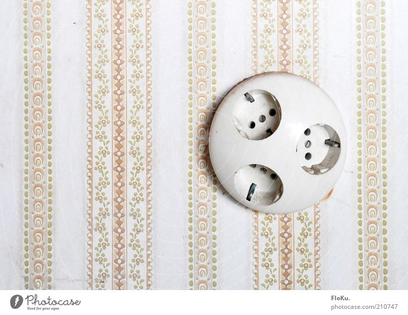 juice³ Technology Energy industry Wall (barrier) Wall (building) Plastic Old Kitsch Retro Round Pink Electricity Socket 3 Nostalgia Archaic Decoration Ornate