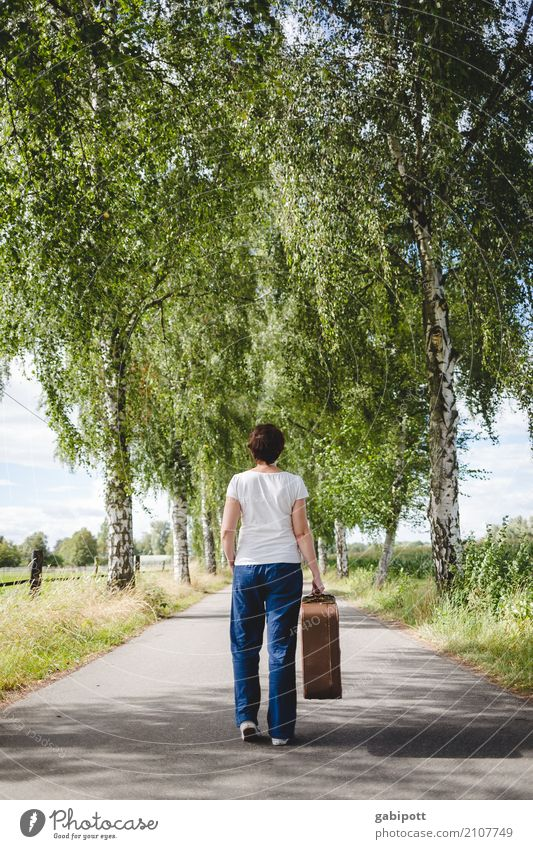 Woman Human being Nature Vacation & Travel Far-off places Street Adults Life Lanes & trails Feminine Freedom Trip Going Leisure and hobbies Hiking Horizon