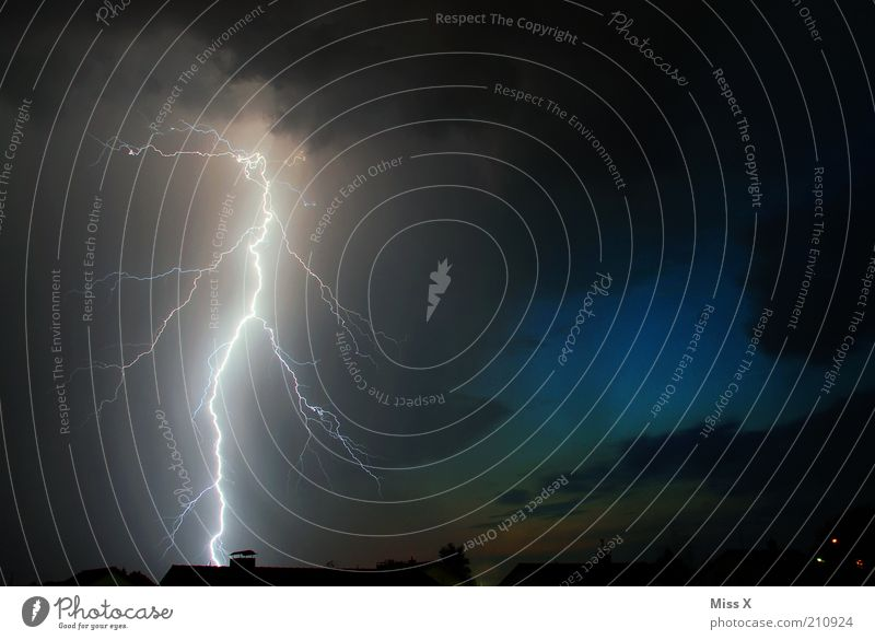 Sky Dark Fear Energy Electricity Dangerous Roof Threat Climate Night sky Exceptional Creepy Lightning Thunder and lightning Storm Fear of death