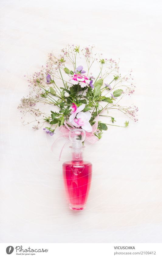Pink perfume bottle with bunch of flowers Style Design Beautiful Perfume Relaxation Spa Feasts & Celebrations Valentine's Day Mother's Day Birthday Flower