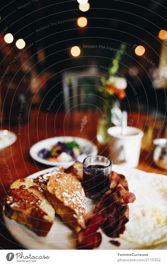 Roadtrip West Coast USA (158) Food Nutrition Delicious To enjoy French toast Toast bacon Fried egg sunny-side up Café Restaurant Breakfast Breakfast table