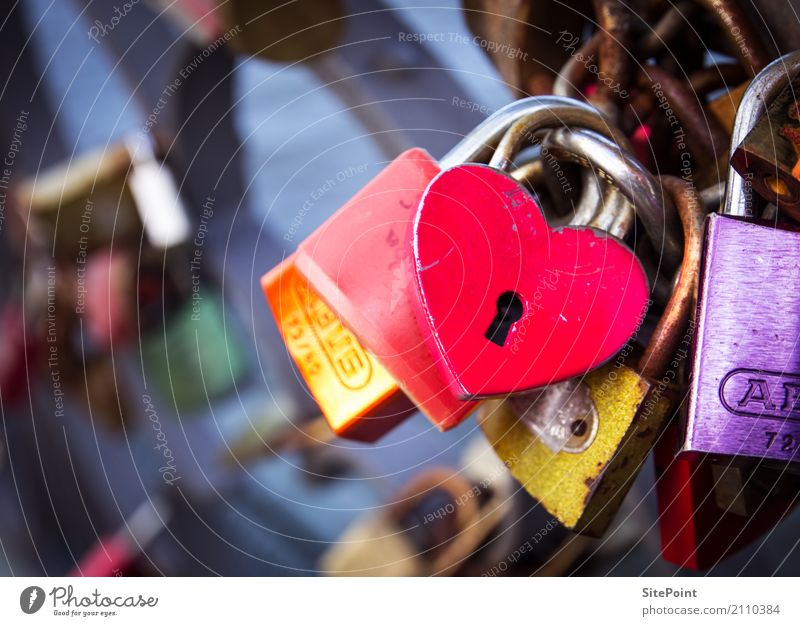 The key to the heart Happy Harmonious Contentment Calm Leisure and hobbies Flirt Downtown Bridge Sign Lock Key Love Yellow Gold Violet Pink Red