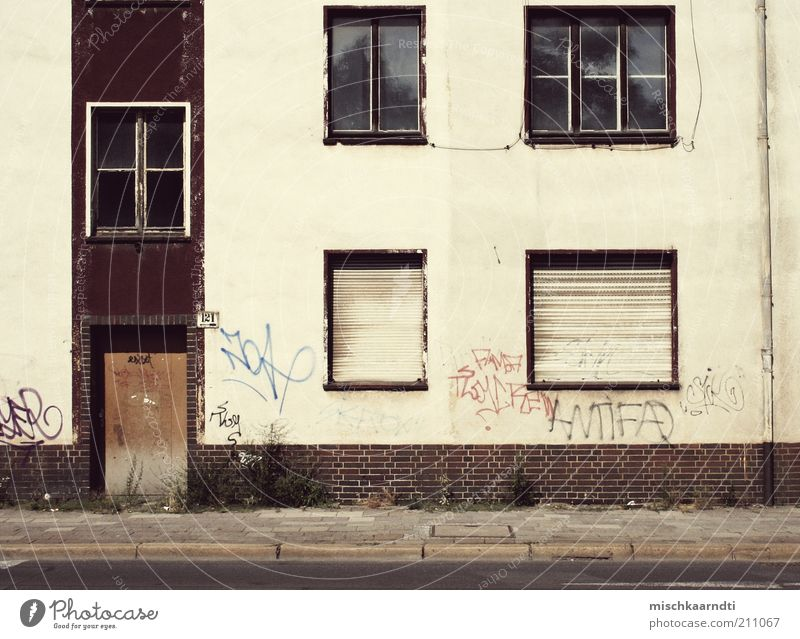 Old White Red Calm House (Residential Structure) Street Colour Wall (building) Window Building Graffiti Door Facade Gloomy Cable Change