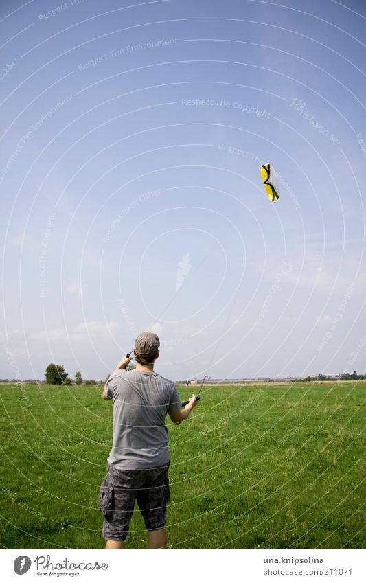 Human being Man Youth (Young adults) Adults Young man Meadow Sports Playing Movement Freedom 18 - 30 years Park Flying Masculine Wind Leisure and hobbies